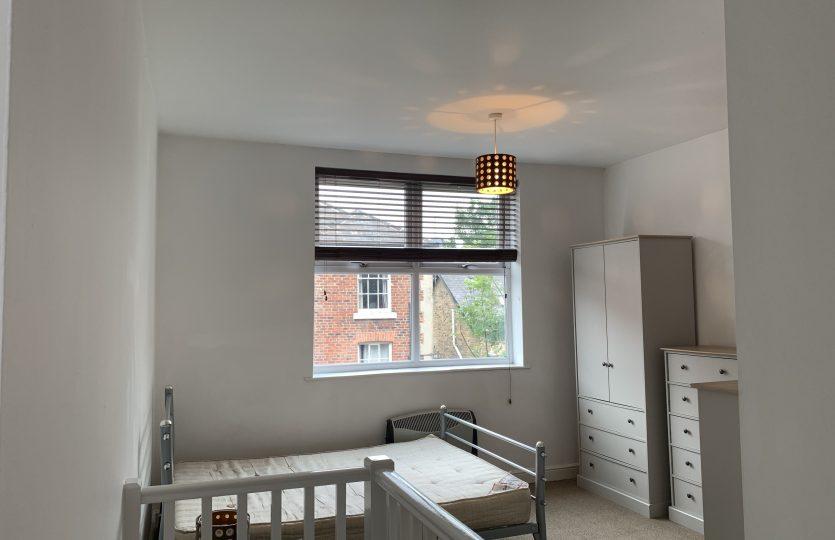 Flat 1, 275 Fulwood Road - bedroom