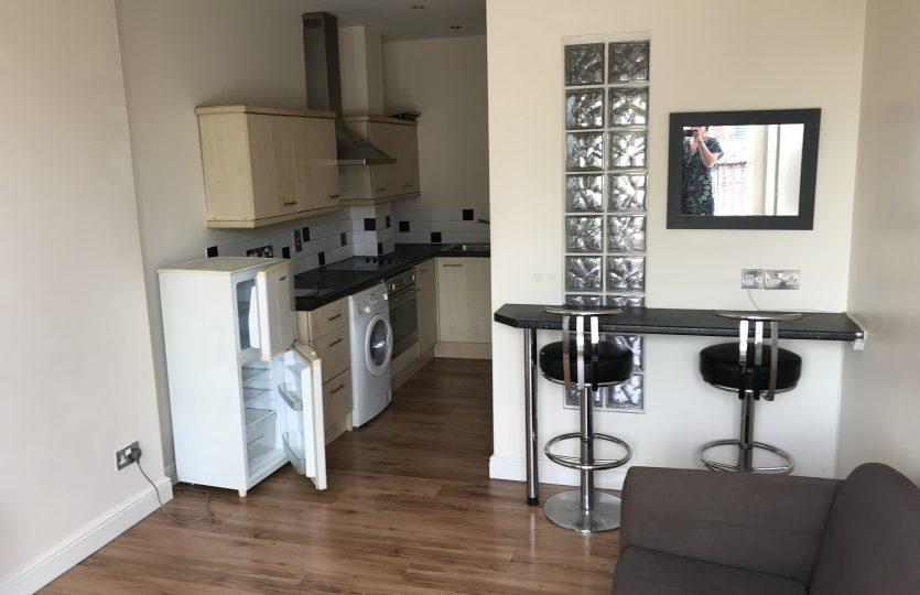 Flat 2 275 Fulwood Road - kitchen