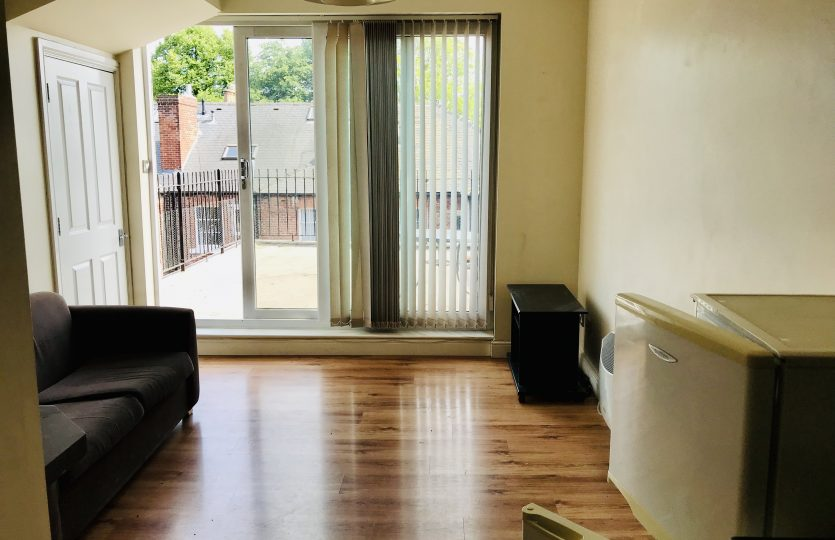 Flat 2 275 Fulwood Road - lounge