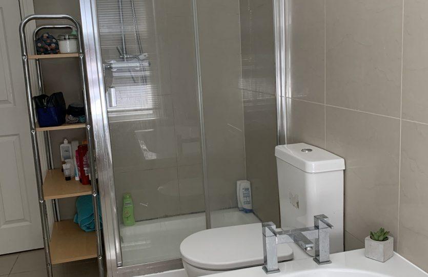 43 Wayland Road - bathroom 1