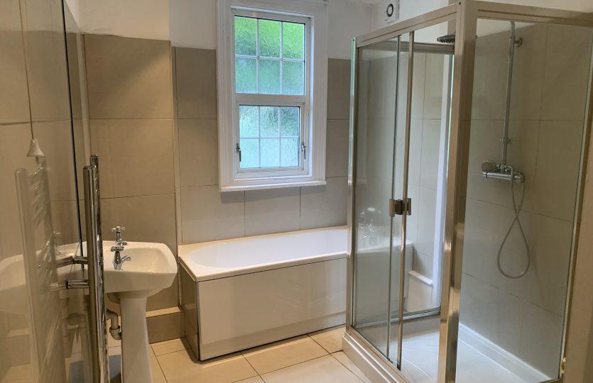 779 Ecclesall Road - bathroom