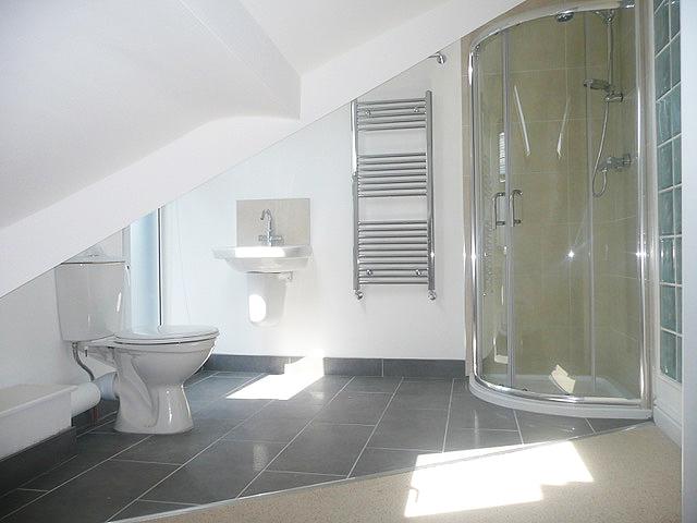 781 Ecclesall Road - bathroom 2