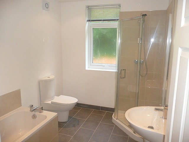 781 Ecclesall Road - bathroom
