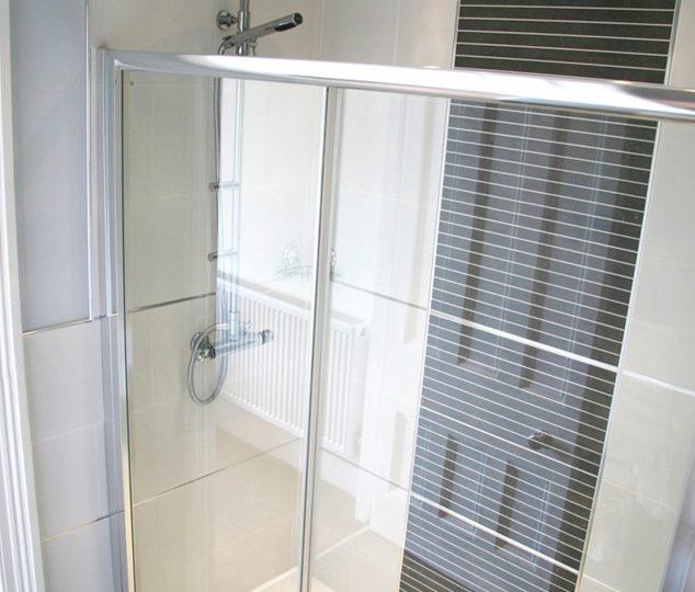 Collegiate Crescent - master shower room